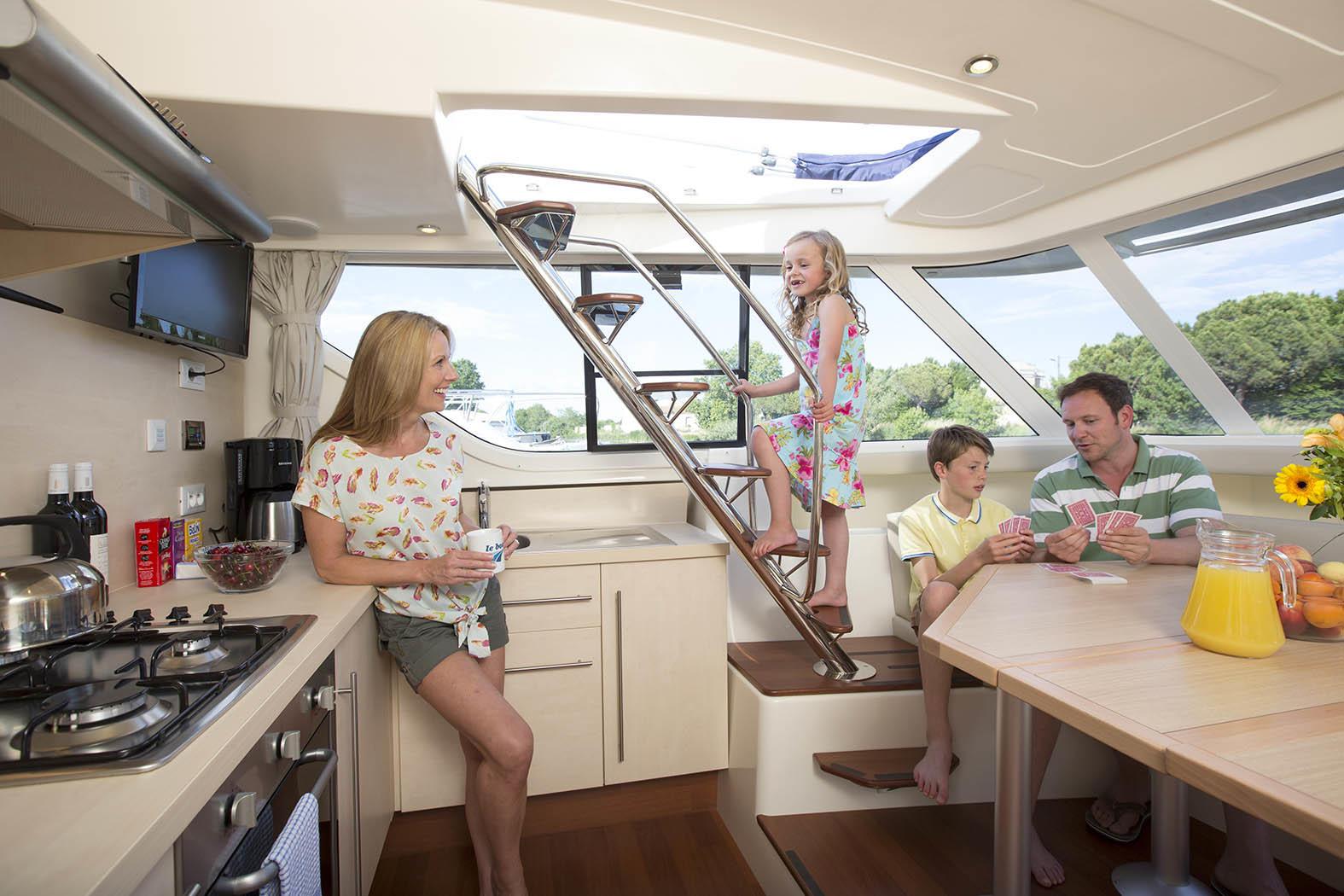 le boat families