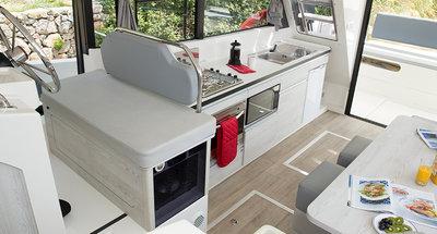 Horizon 3 - saloon & kitchen