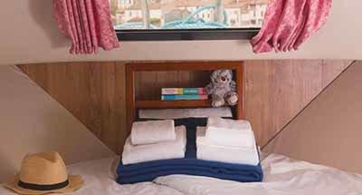 Grand Classique Cabins & bathrooms